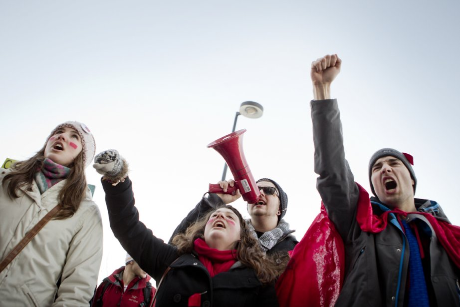 Les étudiants manifestent cet après-midi au centre-ville de... (Photo: Marco Campanozzi, La Presse)