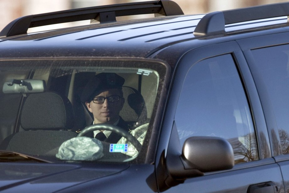 Le soldat Bradley Manning est aperçu à son... (Photo: Brendan Smialowski, AFP)