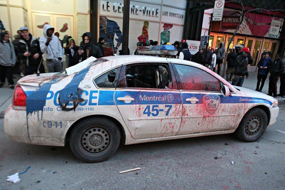 Les gens qui veulent dénoncer démocratiquement la brutalité... (PHOTO ANDRE PICHETTE, LA PRESSE.)