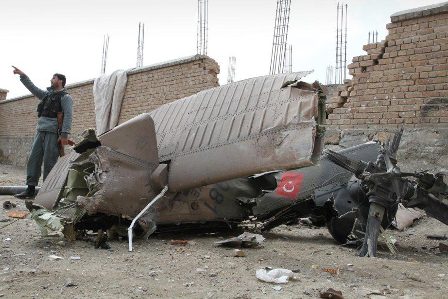 Au moins 12 soldats turcs de l'ISAF ont... (Photo: Musadeq Sadeq, AP)