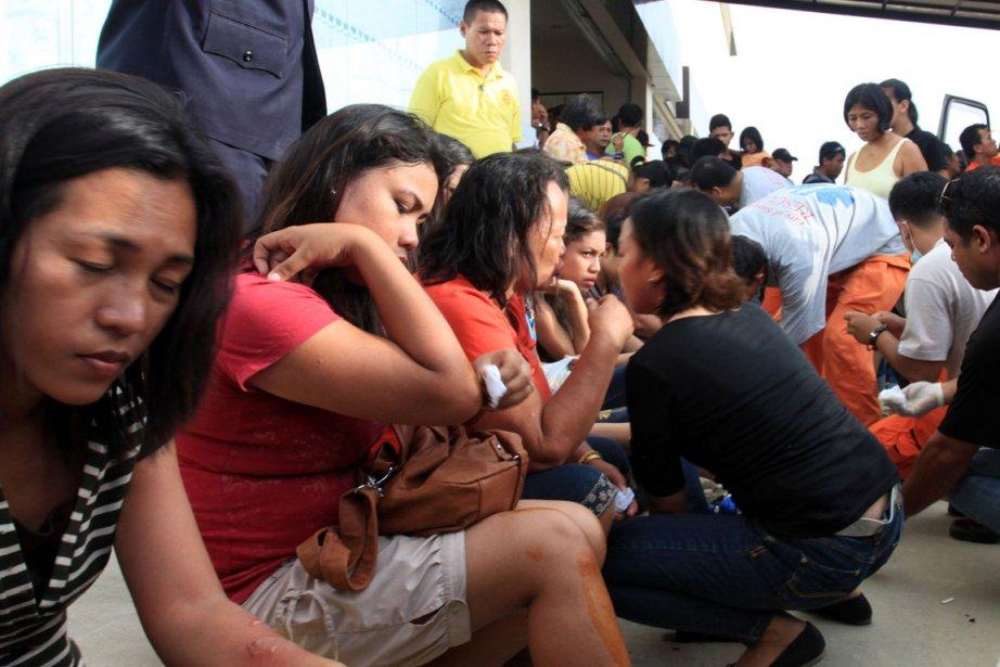 Des blessés qui magasinaient dans un centre commercial... (Photo : Roel Catoto, AFP)