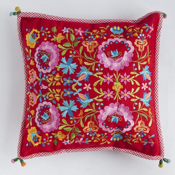 Coussin rose, 100$. Fouvrac, 1404 Rue Fleury Est et 1451 avenue Laurier Est. | 16 mars 2012