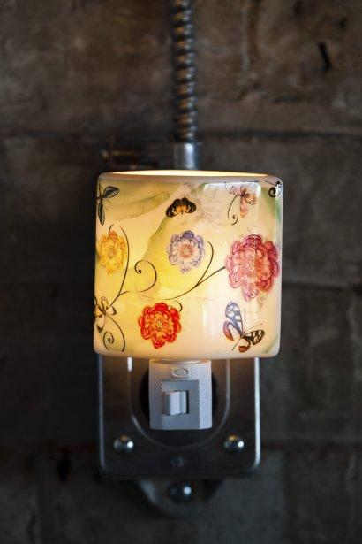 Veilleuse, 19,95$. Scrupule, 1290, rue Fleury Est | 16 mars 2012
