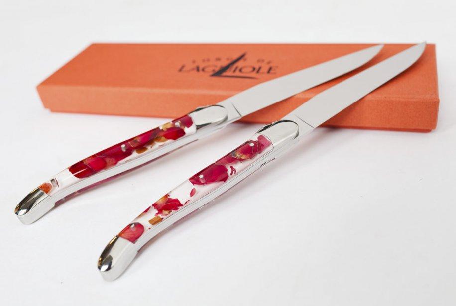 Couteaux Laguiole, 130$ chacun. La Maison d'Émilie, 1073 avenue Laurier Ouest | 16 mars 2012