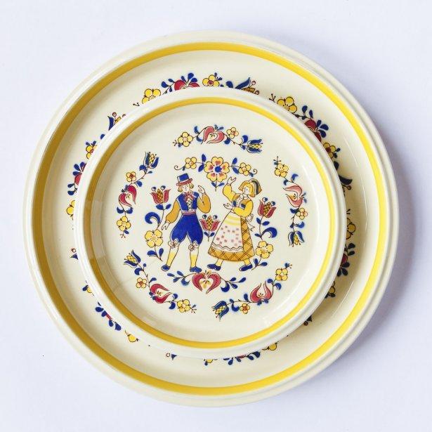Ensemble de vaisselle, 24 pièces, 14,99$. Renaissance, 3200, rue Masson. | 16 mars 2012