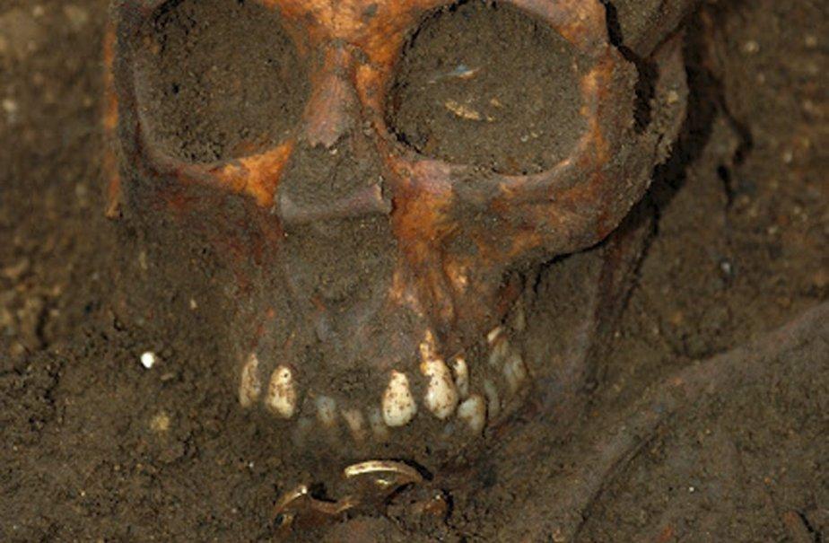 Des experts ont indiqué que le tombeau était... (Photo: AP)