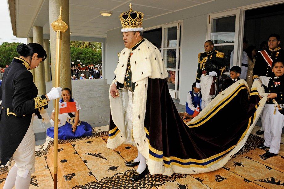 Siaosi Tupou V avait été officiellement intronisé en... (Photo: archives AFP)