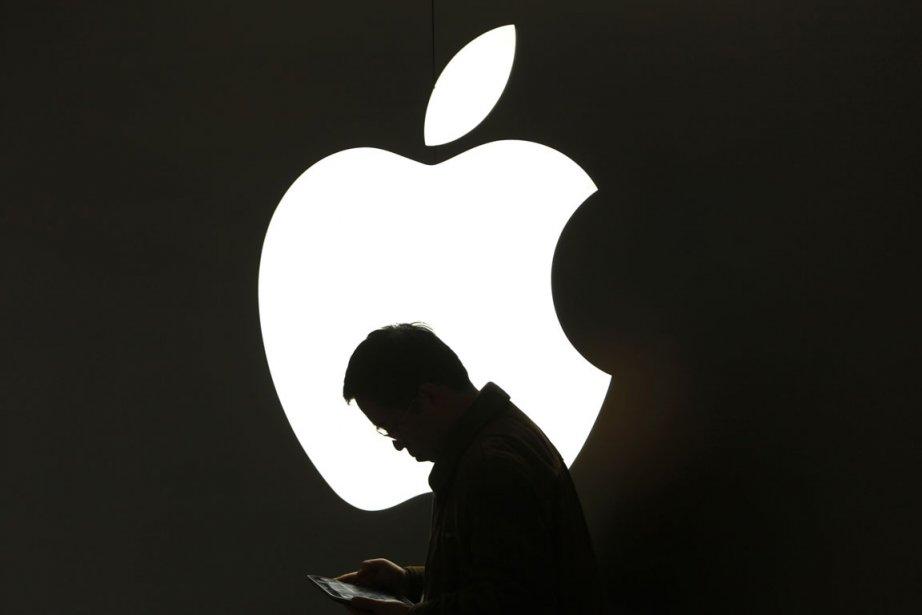 Le cours des actions d'Apple a atteint mardi pour la première... (Photo Reuters)