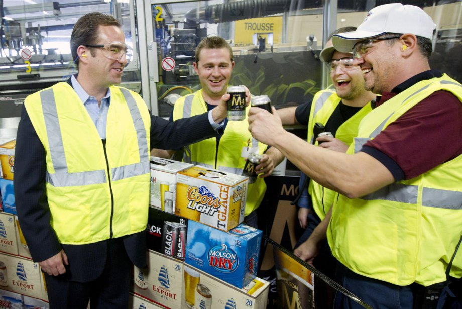 Geoff Molson salue ses employés à l'occasion de... (Photo Robert Skinner, La Presse)