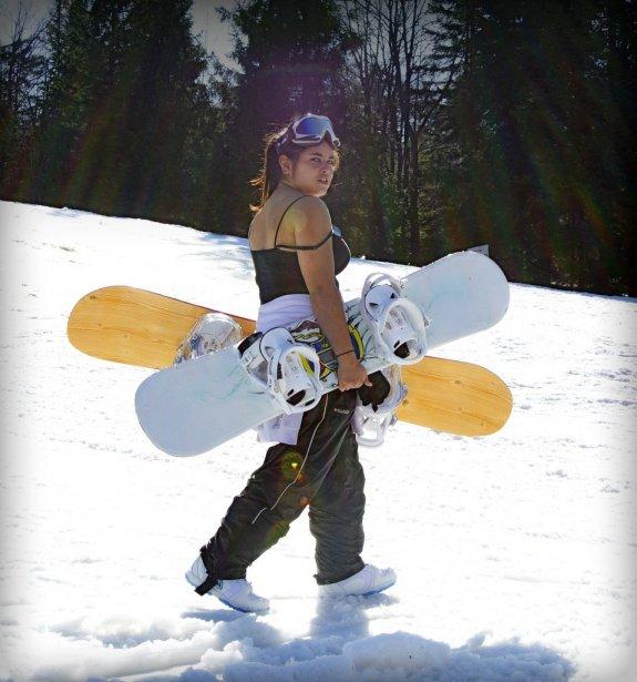 Job de bras au soleil au Mont Sutton.... | 2012-03-20 00:00:00.000