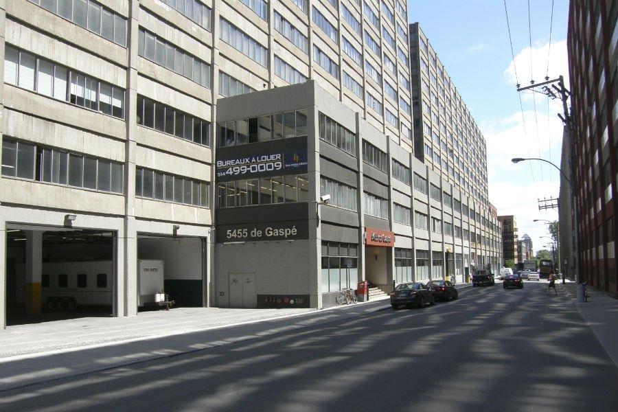 L'édifice du 5455, De Gaspé a été peu... (Photo fournie par Groupe immobilier Montréal)