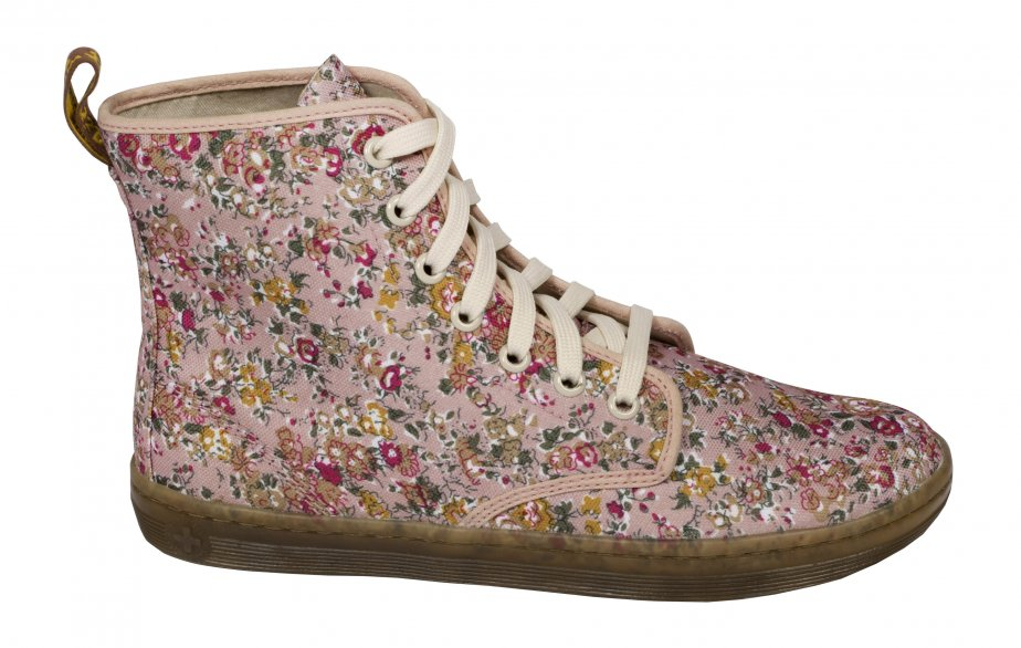Bottine fleurie de Dr. Martens, 115 $ chez Little Burgundy | 21 mars 2012
