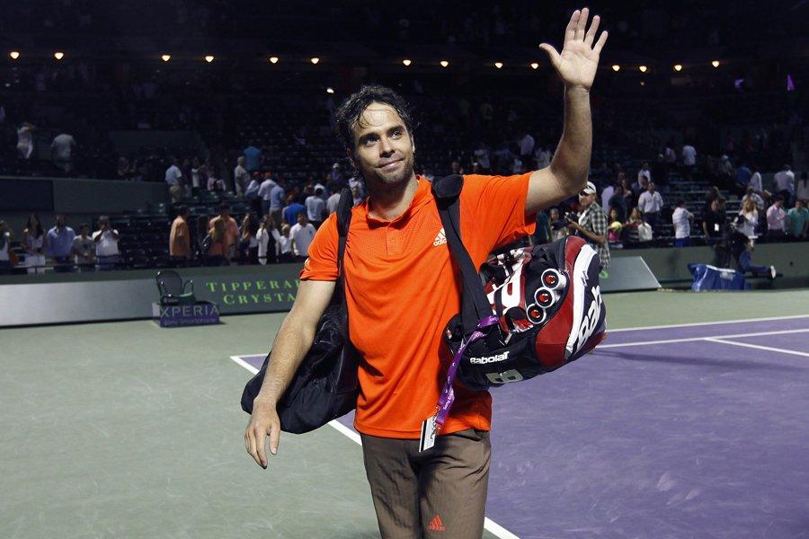 Fernando Gonzalez salue la foule après avoir disputé... (Photo: Reuters)