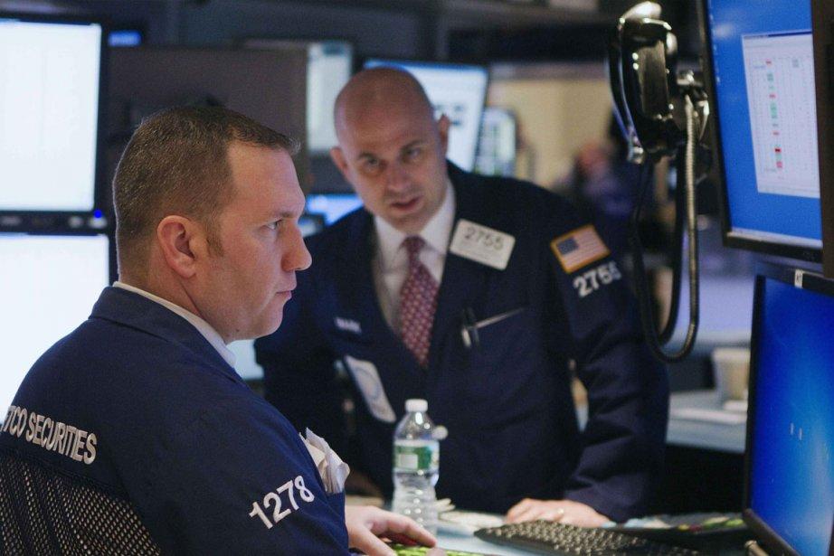 La Bourse de Toronto a clôturé en baisse, jeudi, alors que les... (Photo Reuters)