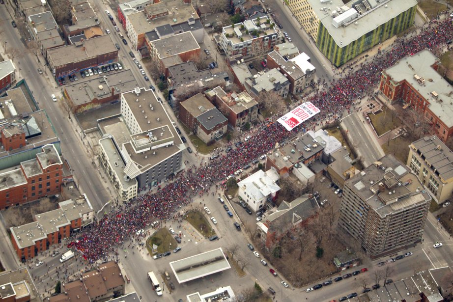 Plusieurs dizaines de milliers d'étudiants ont envahi les... (Photo: Alain Roberge, La Presse)