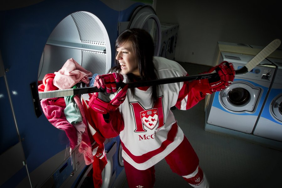 La hockeyeuse Mélodie Daoust à la buanderie Blanche-Neige,... (Photo: Alain Roberge, La Presse)