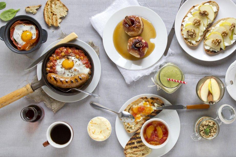 Les jours de semaine, le déjeuner matinal... (Photos Robert Skinner, La Presse)