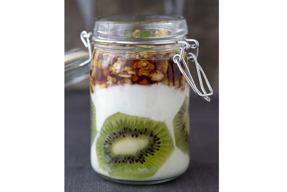 Verrine-déjeuner kiwi, granola, yogourt et sirop d'érable... (Photos Robert Skinner, La Presse)