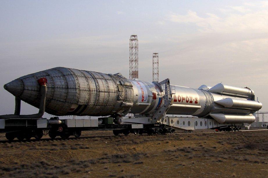 La fusée Proton avec le satellite Intelsat 22... (Photo Associated Press)