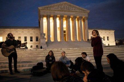Des personnes opposées à la réforme de la... (Photo: AFP)