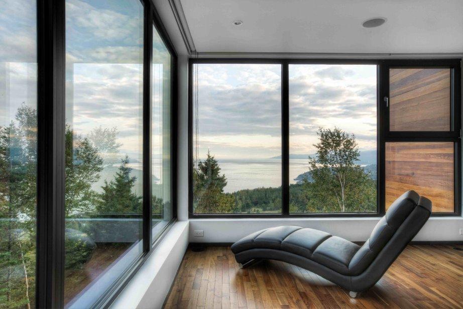 Confortables et luxueuses, les résidences des Terrasses Cap-à-l?Aigle offrent une vue imprenable sur le fleuve. | 26 mars 2012