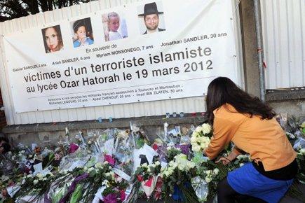 Un mémorial pour les victimes de la tuerie... (Photo: AFP)