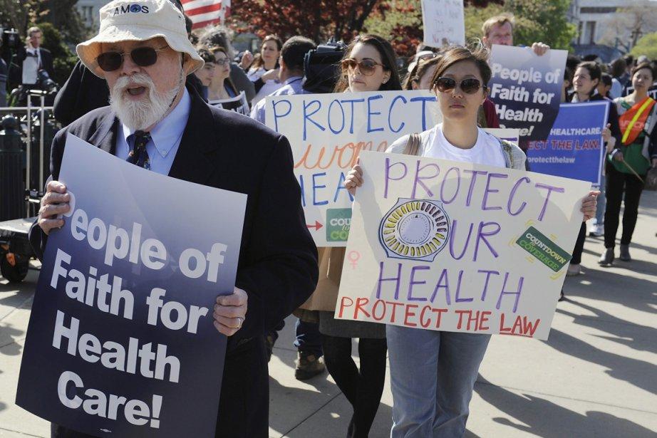 Opposants et partisans (notre photo) de la réforme... (Photo: Jonathan Ernst, Reuters)