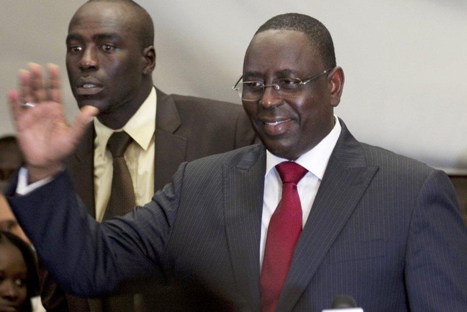Le nouveau président sénégalais Macky Sall (ci-dessus), tombeur... (Photo:  Joe Penney, Reuters)
