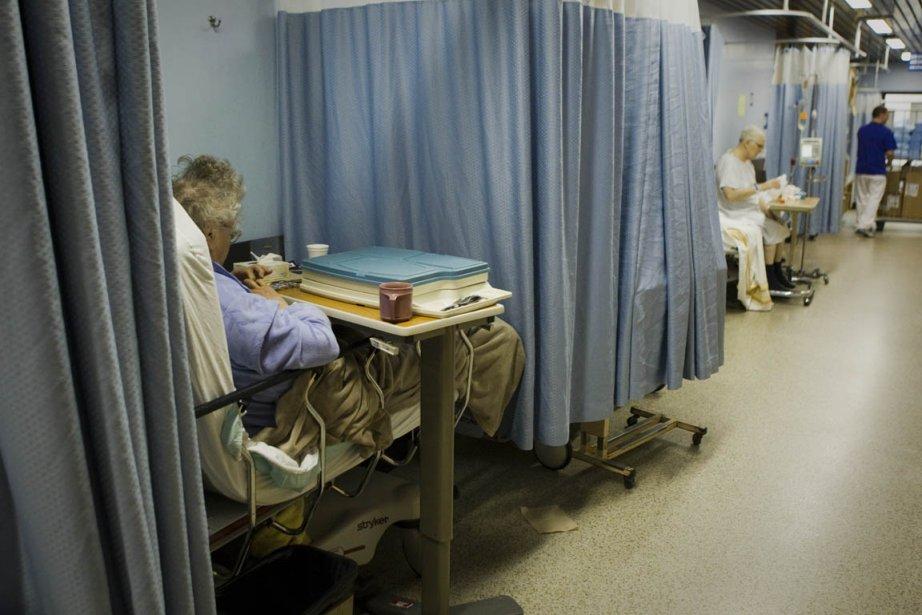Plusieurs lits pourraient être ajoutés aux urgences de... (Photo: André Pichette, Archives La Presse)