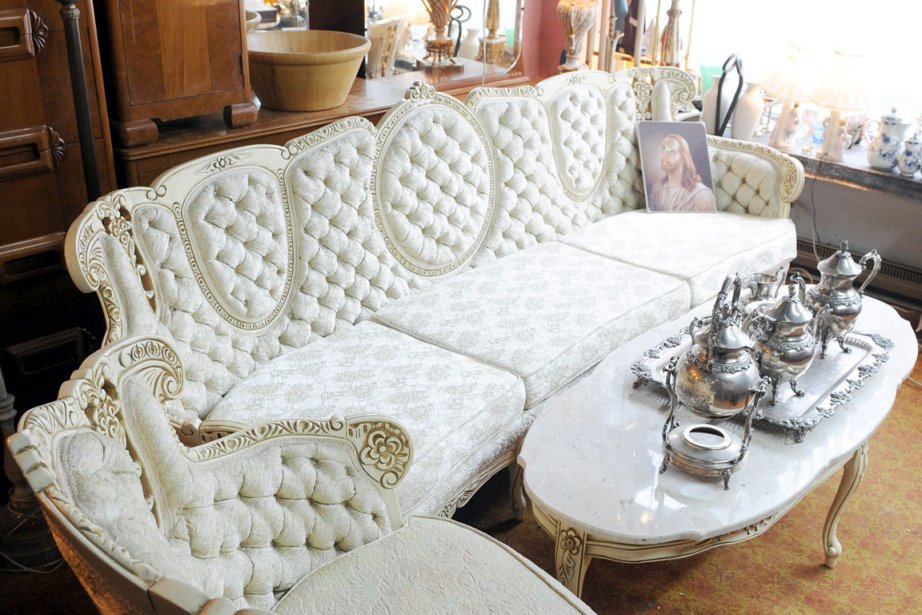 Meubles usag s des occasions en or mich le laferri re mobilier - Meuble de salon a vendre ...