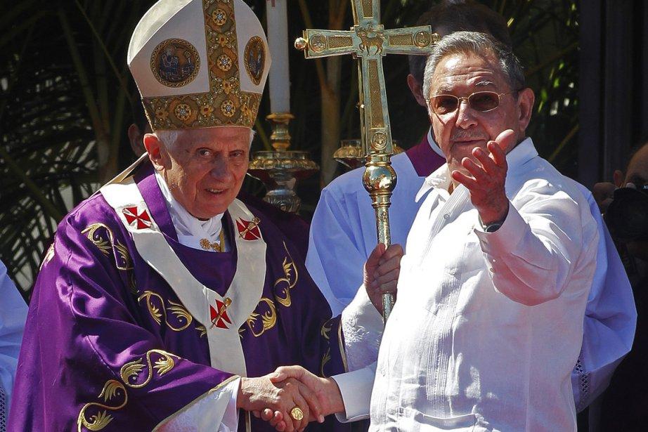 Benoît XVI et Raoul Castro lors du séjour,... (Photo Reuters)
