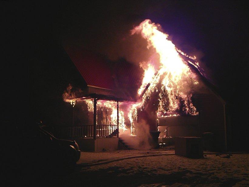 INCENDIE À ROBERVAL - Incendie au 1163, rang 3 Nord, à Roberval. | 2 avril 2012