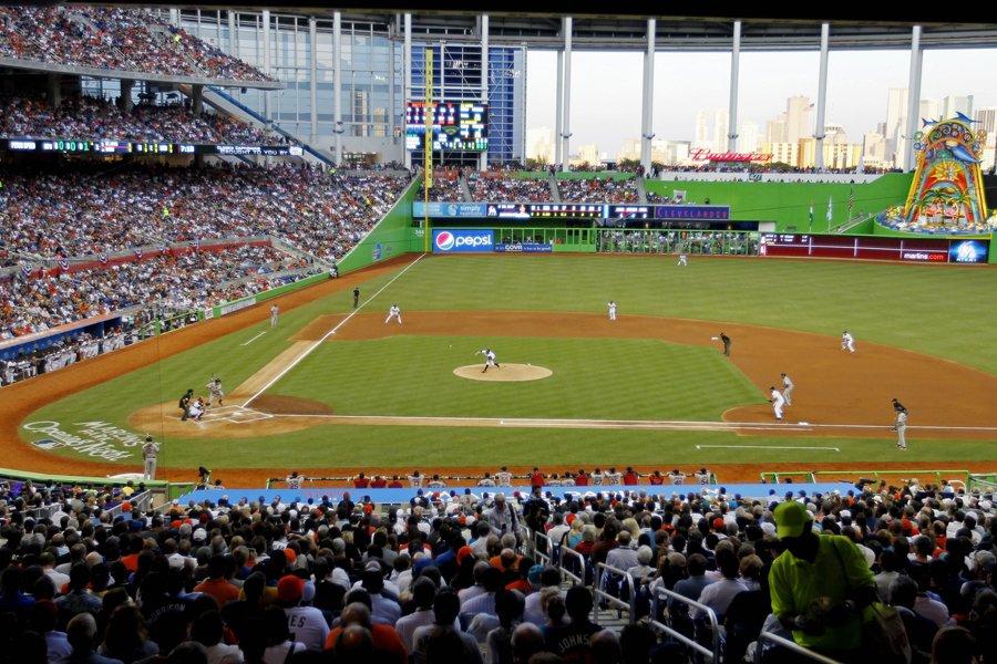 Les Marlins de Miami ont inauguré leur nouveau... (Photo: Reuters)
