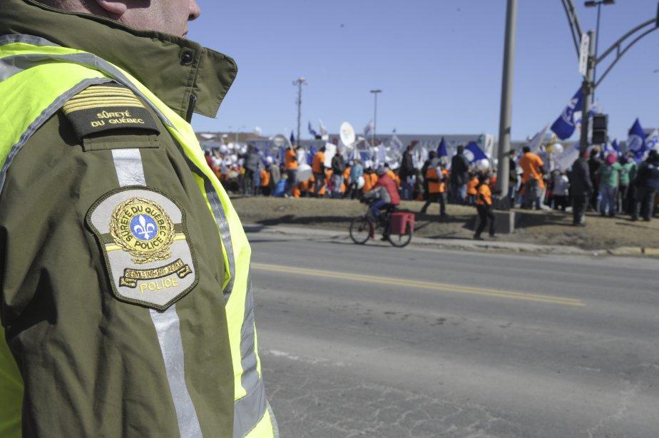 LOCK-OUT JOUR 91 (31 mars) GRANDE MANIFESTATION À ALMA La sécurité et l?ordre ont été les priorités de l?organisation syndicale. | 9 avril 2012