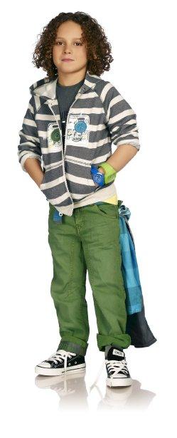 Le jean coloré est offert chez Souris Mini, à partir de 44,95 $. Veste zippée à capuchon à partir de 54,95 $ de la collection Vélo-cité ()
