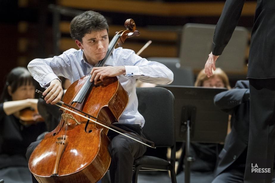 Stéphane Tétreault et son nouveau violoncelle acclamés, hier... (Photo: Édouard Plante-Fréchette, archives La Presse)