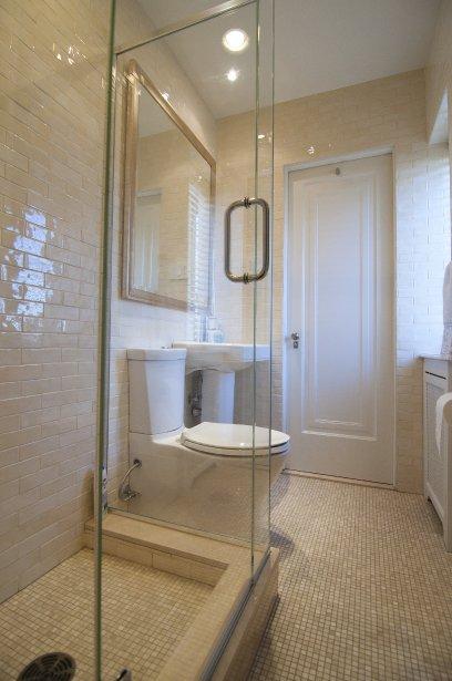 petite salle de bain dans chambre fabulous ides de suite. Black Bedroom Furniture Sets. Home Design Ideas