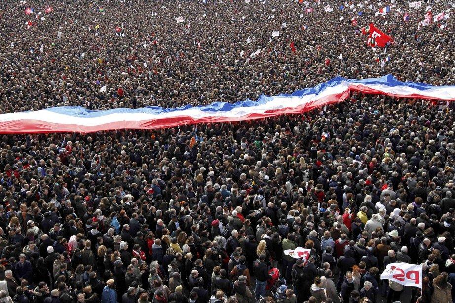Des dizaines de milliers de partisans du président... (Photo: Reuters)