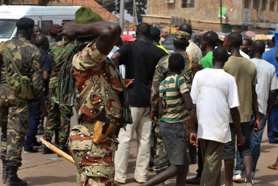 Une manifestation pacifique, le 15 avril, à Bissau.... (Photo AFP)