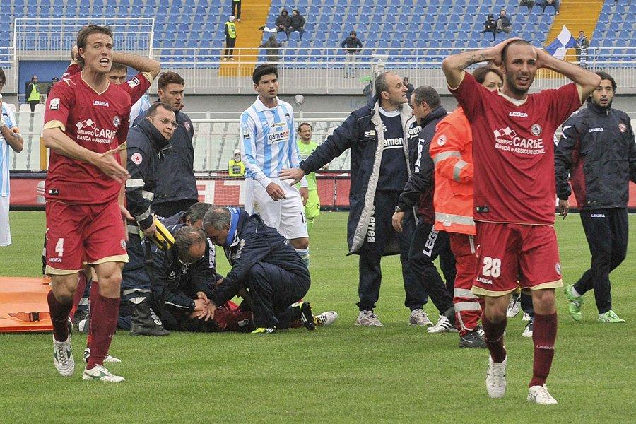 Le footballeur italien Piermario Morosini est décédé après... (Photo archives Reuters)