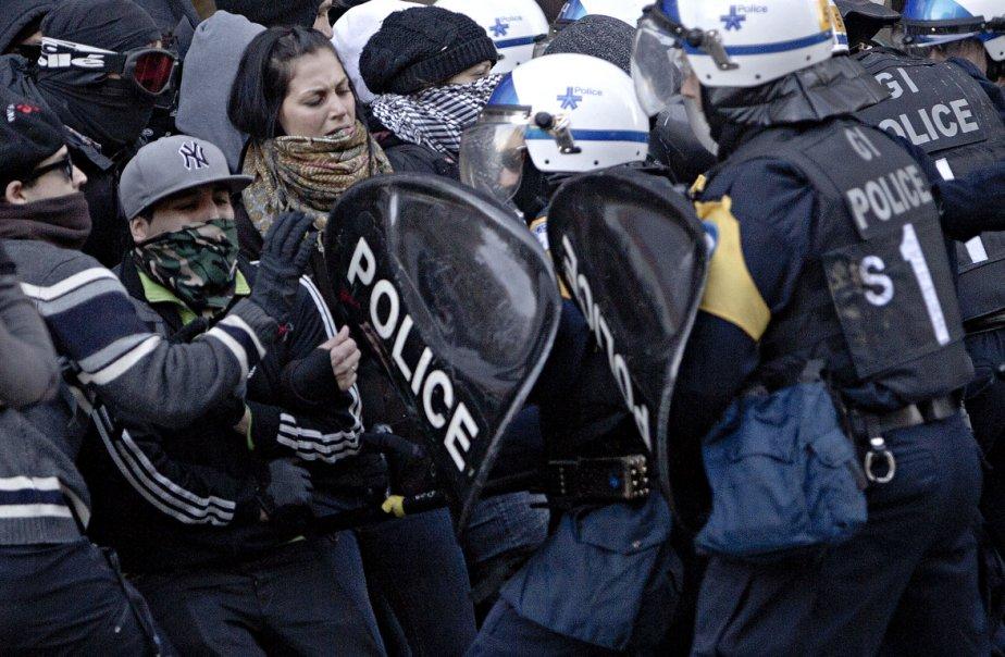 Intervention du SPVM au centre-ville de Montréal.... (Photo Patrick Sanfaçon, La Presse)