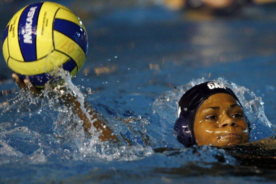L'équipe canadienne féminine de water-polo s'est inclinée 7-6... (Photo: archives PC)