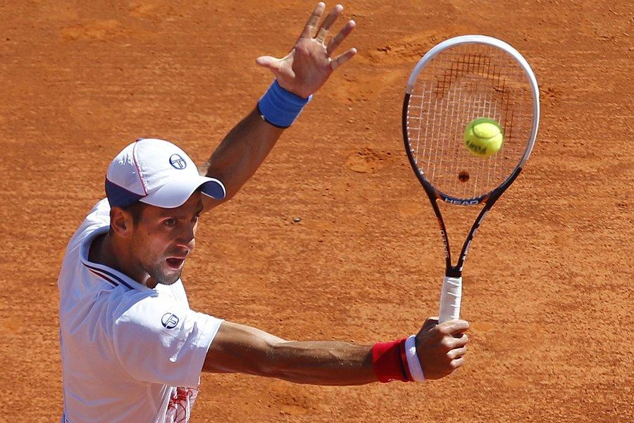 Le numéro 1 mondial Novak Djokovic a battu... (Photo: Reuters)