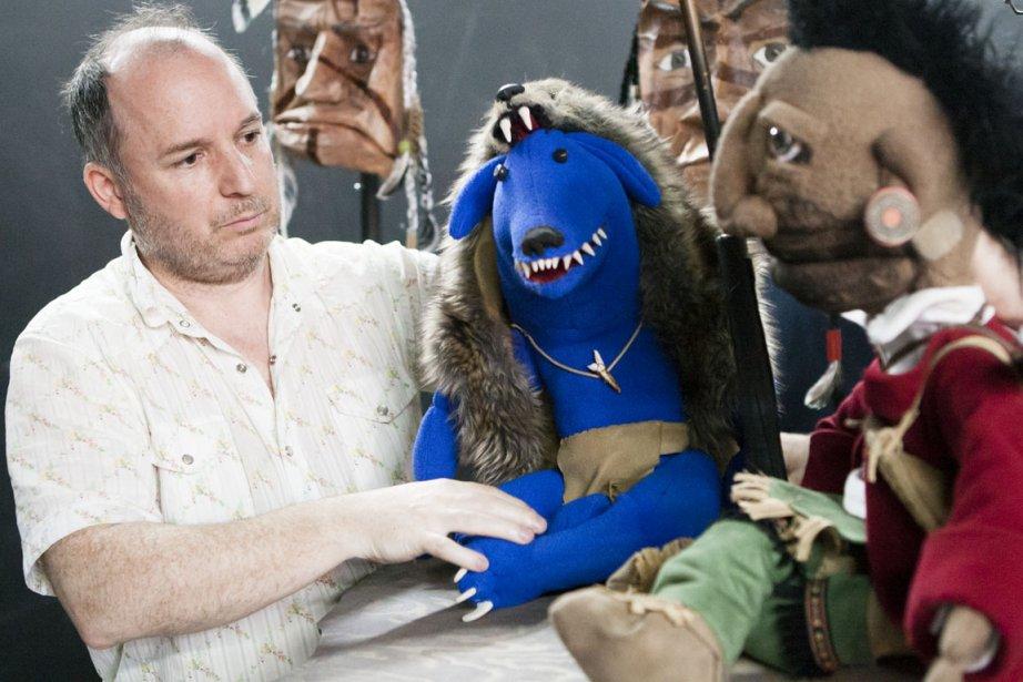 Antoine Laprise et ses marionnettes.... (Photo Ninon Pednault, La Presse)