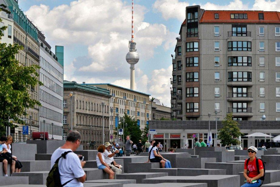 Construite en 1969, la tour de télévision était... (Photo AFP)