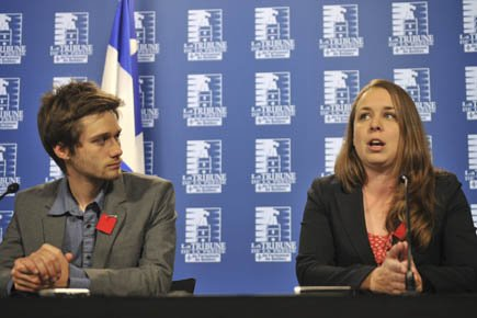 Léo Bureau-Blouin (FECQ) et Martine Desjardins (FEUQ).... (Photo: Le Soleil)