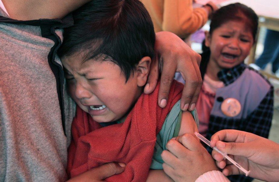 Le nombre de cas mortels a reculé de... (Photo Reuters)