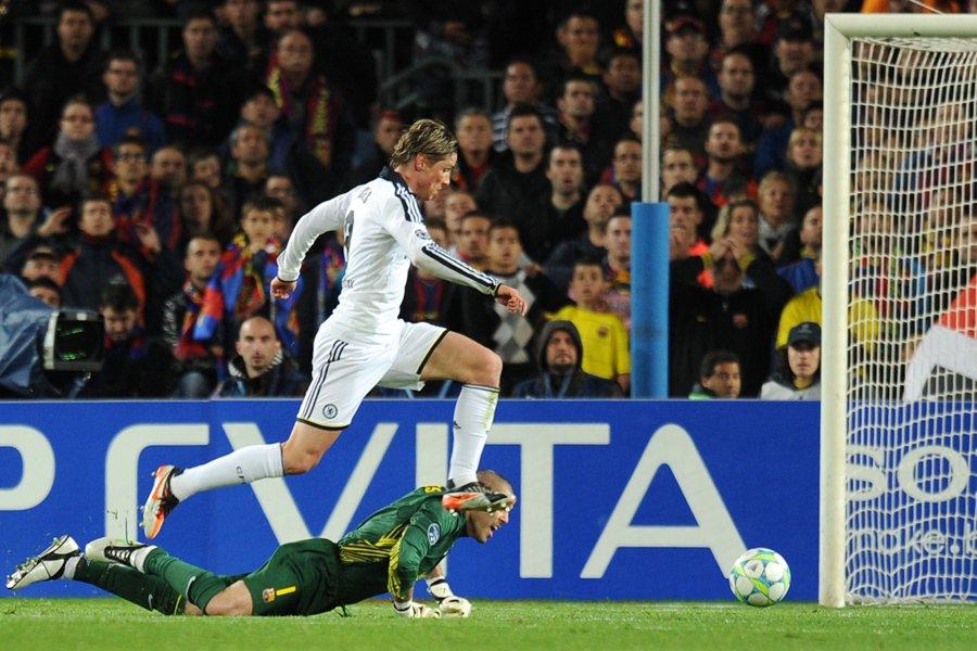 Fernando Torres a habilement contourné le gardien du... (Photo: AFP)