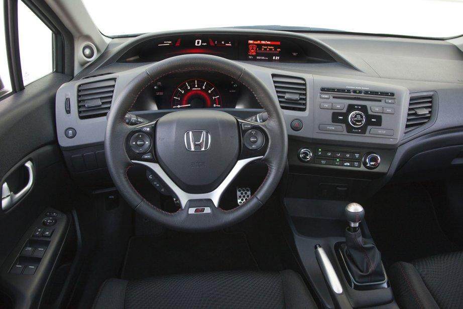 La Honda Civic 2012 a été passée à tabac par la... (Photo fournie par Honda)