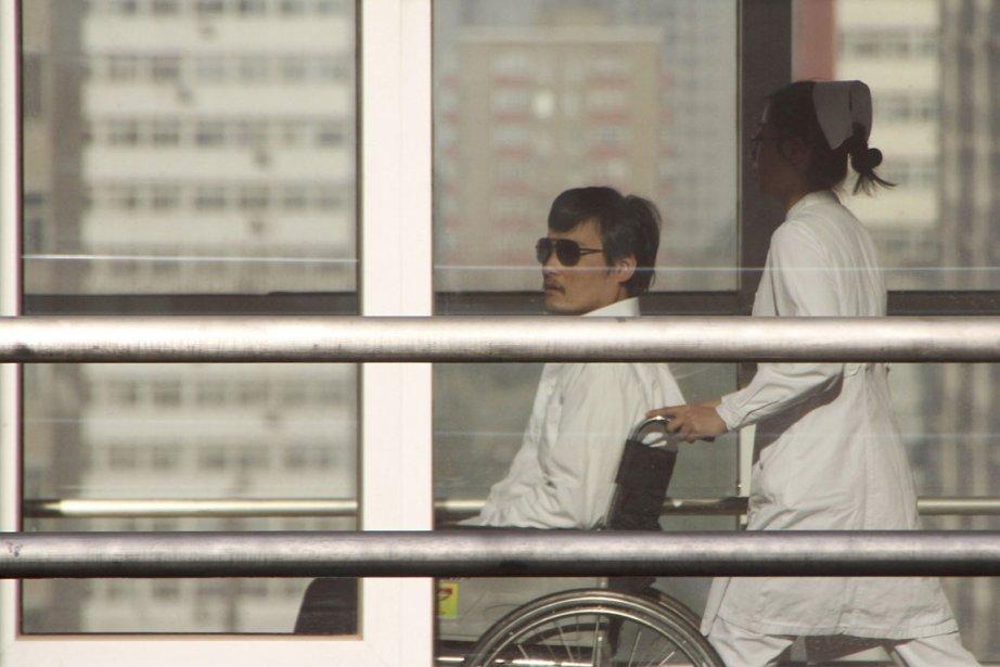 Chen Guangcheng (notre photo) a été examiné à... (Photo: AFP)